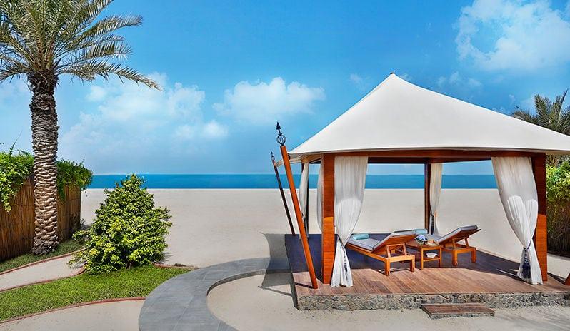 Ritz Carlton Al Hamra Beach, Beach Cabana